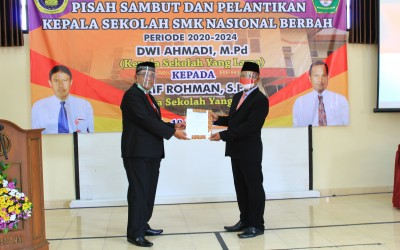 PISAH SAMBUT DAN PELANTIKAN KEPALA SEKOLAH SMK NASIONAL BERBAH PERIODE 2020-2024
